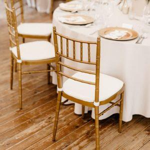 Krzesła i Stoliki